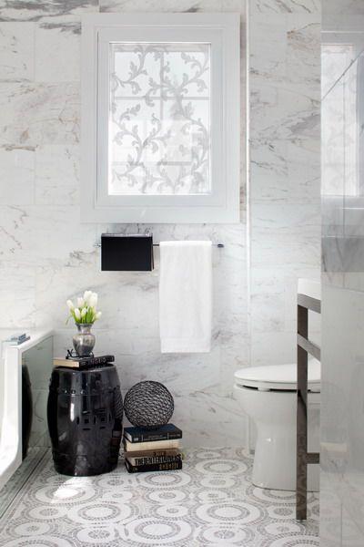 Biało Czarna łazienka W Marmurze Zdjęcie W Serwisie