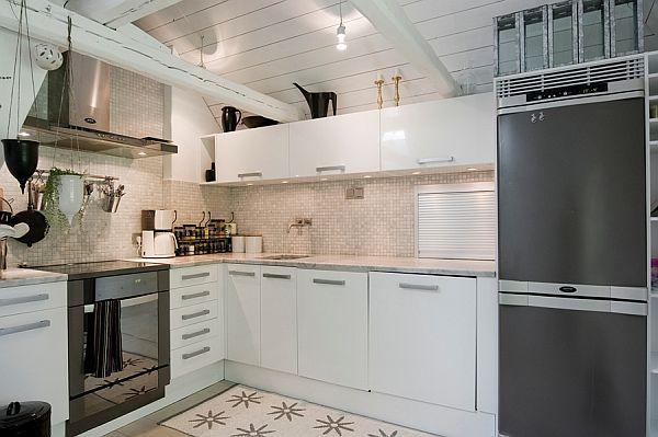 Skandynawska biało szara kuchnia z belkami  zdjęcie w   -> Kuchnia Bialo Szara Z Drewnem