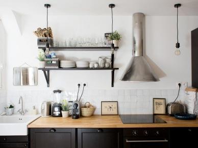 drewno i czerwone ceg y w czarnej kuchni z wysp zdj cie w serwisie 51197. Black Bedroom Furniture Sets. Home Design Ideas