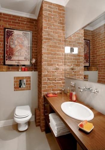 ściany Z Czerwonej Cegły W łazience Zdjęcie W Serwisie