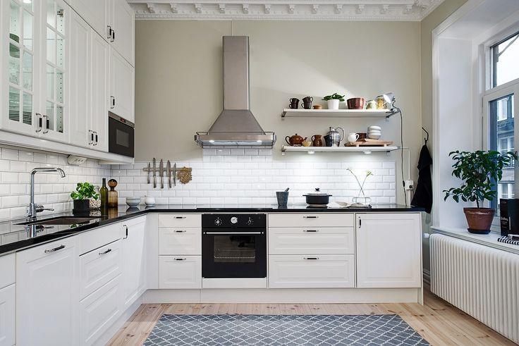 Czarny Blat Do Białej Kuchni Zdjęcie W Serwisie Lovingit